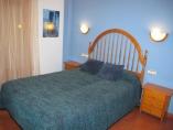 habitación matrimonio 140cm con terraza y baño con bañera